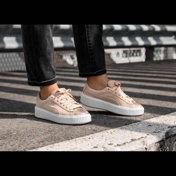 0b0064eb1b11 Puma Suede Platform LunaLux Women s shoe